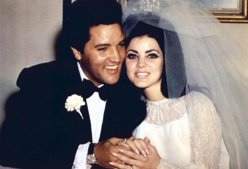 Marriage Certificate Of Elvis Presley Priscilla Beaulieu 1967